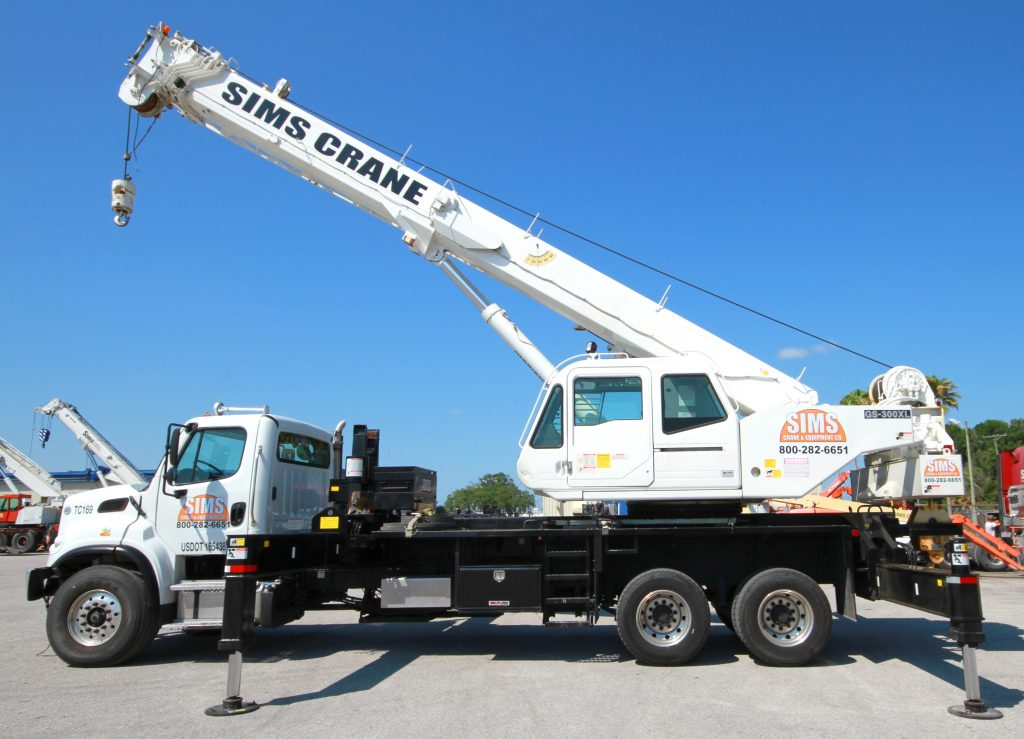 Heavy Truck Crane Rental